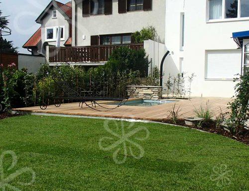 Terrassengarten mit Dusche