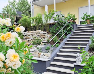 Terrassengestaltung in zwei ebenen gartencraft for Gartengestaltung zwei ebenen